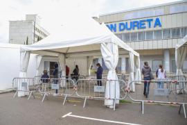 Las 10 líneas de Son Dureta permitirán vacunar a 3.500 persona diarias desde este miércoles