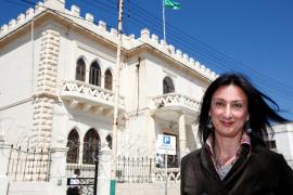 Fallece una periodista maltesa tras explotar su coche con una bomba.
