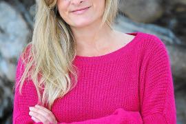 Bárbara Gil, escritora: «La novela empieza como una experiencia muy naíf, pero luego te da una bofetada»