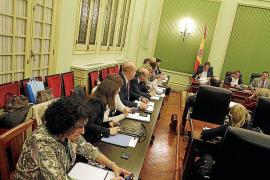 Bosch asegura que en 2013 no se reducirán los docentes ni se les bajará más el sueldo