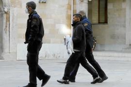 Cinco años y medio de prisión por incendiar la antigua cárcel de Palma con varios indigentes en el interior
