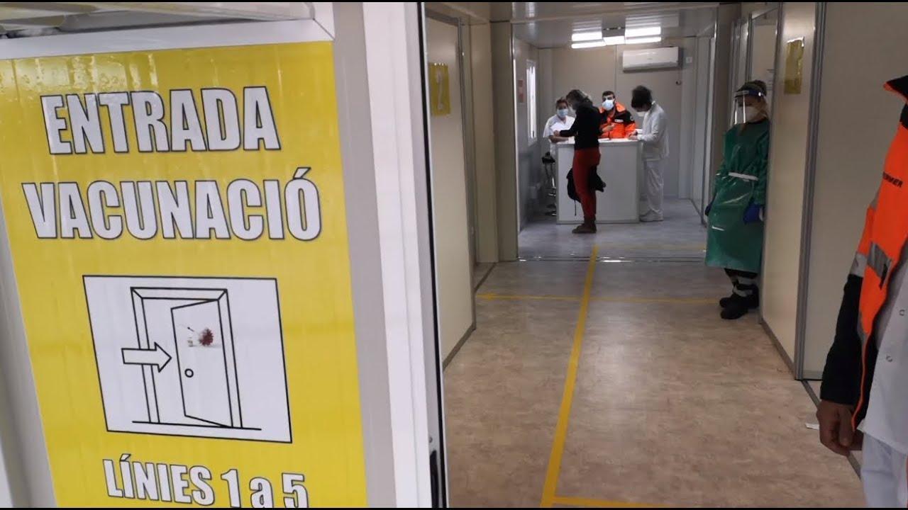 Empieza la vacunación masiva a docentes en Son Dureta