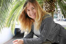 La figura de Elena Francis versus las 'influencers' de hoy en 'Radioféminas'