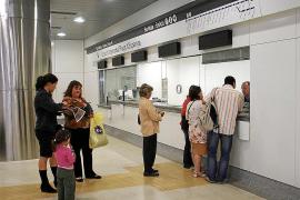 SFM se plantea externalizar la venta de billetes para ahorrar en personal