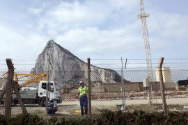 Londres convoca al embajador español, Federico Trillo, por presuntas incursiones en Gibraltar