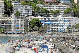 El Gobierno cuestiona cinco artículos de la Ley del Turismo de Balears