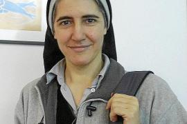 Teresa Forcades: «La salud requiere más equilibrio emocional que medicamentos»