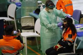 Sanidad notifica 74.347 contagios menos al eliminar Cataluña casos duplicados