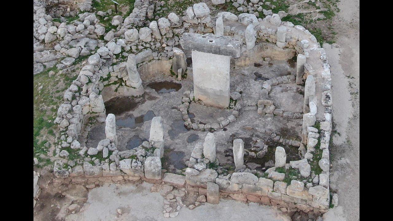 'Taules' de Menorca, ¿una puerta al mundo de los dioses?