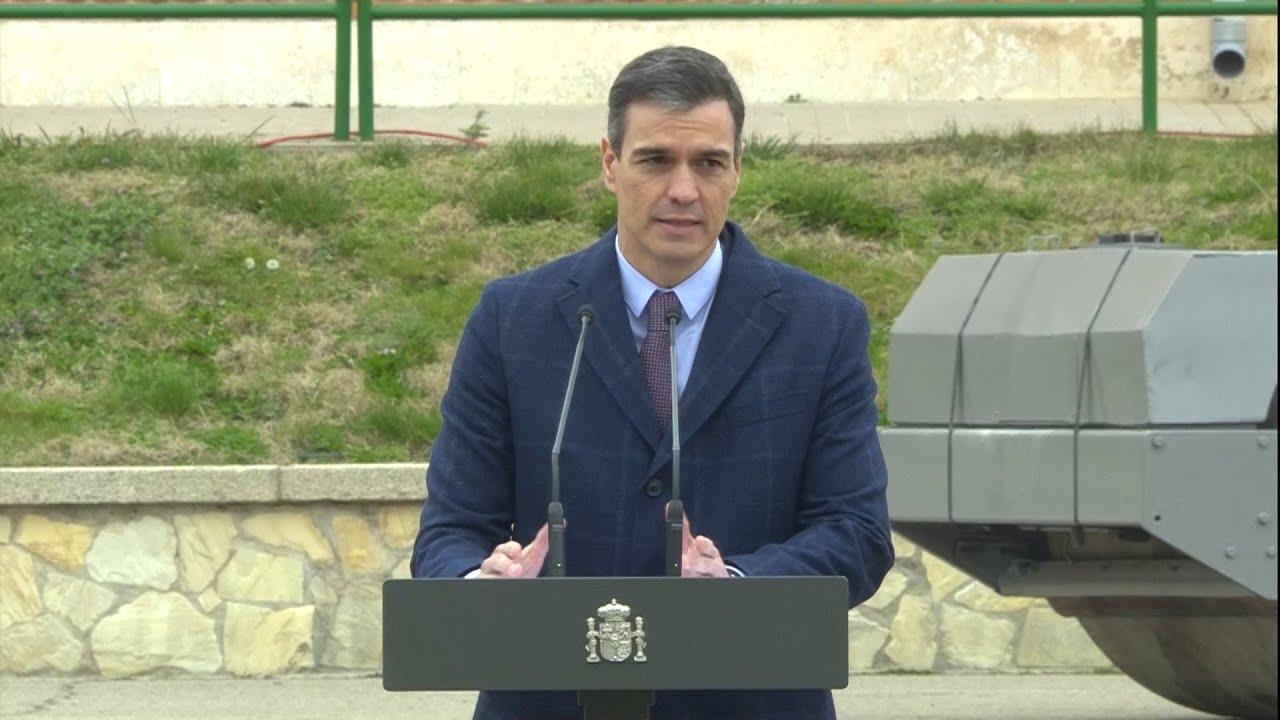 Sánchez defiende la memoria de las víctimas de los GAL, ETA y Grapo en el acto de destrucción de armas de terroristas