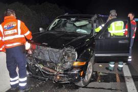 Tres espectaculares accidentes de tráfico en las carreteras de la Isla se saldan con un herido grave