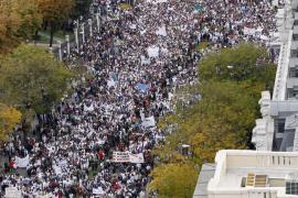 Miles de trabajadores y usuarios de la sanidad  recorren Madrid