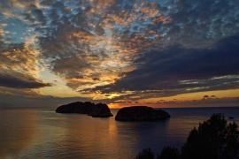 Posta de sol amb les Illes Malgrats