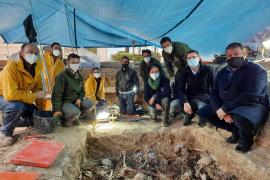 Los trabajos en la fosa de Porreres recuperan los restos de 114 personas