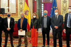 PSOE y Podemos desautorizan en el Congreso a sus partidos en Baleares