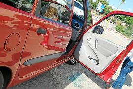 Condenado por daños por romper el cristal del coche de Paula Rotger