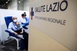 Italia reanuda la vacunación con AstraZeneca