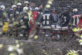 Un tren se precipita por un desfiladero en el norte de Italia