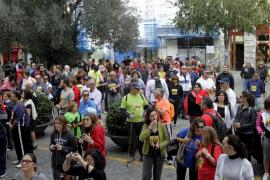 Miles de personas caminan contra de la violencia de género