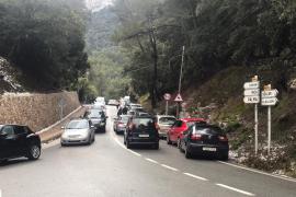 Caos circulatorio y aluvión de multas en la Serra en el primer domingo de nieve de 2021