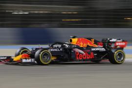 Verstappen presenta su candidatura y Sainz sorprende