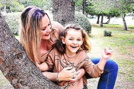El complicado camino para una niña afectada por una enfermedad rara