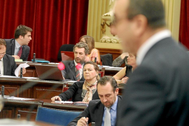 La oposición a los Presupuestos de 2013 se extiende también a un sector del PP