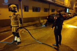 Detenido un pirómano reincidente por quemar una moto en Pere Garau