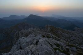 Baíia de Pollensa al amanecer desde el Puig de Massanella