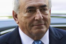 Strauss-Kahn podría pagar 6 millones de dólares a la trabajadora de hotel que le denunció