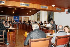 La oposición planta al equipo de gobierno por la actitud «caciquil» del alcalde
