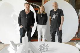 Johann Nowak y los artistas Francesca Martí y Gary Hill.