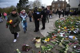 Los británicos lloran en Buckingham la muerte del príncipe Felipe de Edimburgo