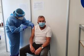 El 5 % de la población de Mallorca ya tiene las dos dosis de la vacuna