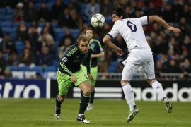 Modric exhibe su visión ante un Ajax que acaba tercero (4-1)