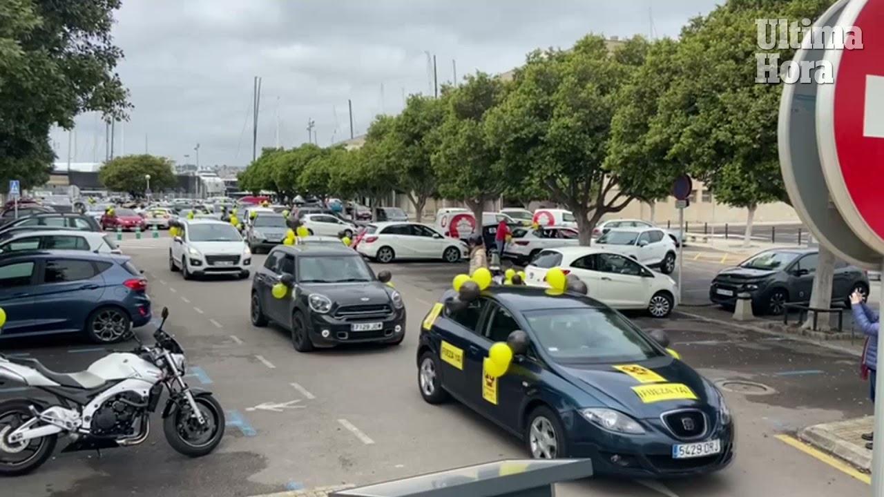 Empleados públicos celebran en Palma la cuarta caravana contra el «abuso» de la temporalidad en las Administraciones
