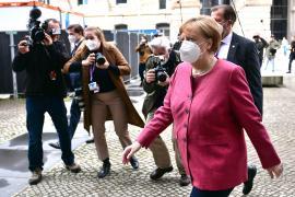 Merkel aboga por un 'confinamiento exprés' para rebajar los contagios en plena vacunación