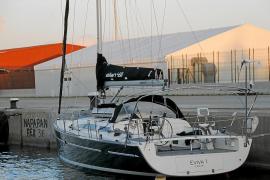 Registro  en busca de un alijo de droga en un velero que llegó a Palma desde el Caribe