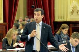 El PP se suma a la oposición y vota a favor de los derribos en Ses Covetes