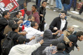 Estallido social cerca del palacio presidencial de Mursi en Egipto