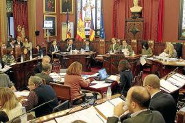 Rajoy aparca la ley que quería reducir un 30 por ciento el número de concejales