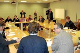 Govern y patronales pactan los diez días festivos de apertura comercial en 2013