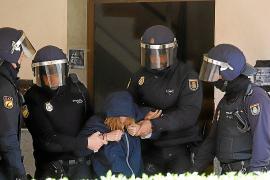 Absuelto en Palma el policía acusado de lesiones por los antidesahucios