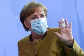 El gobierno alemán insiste en la necesidad de echar el «freno de emergencia» y aumentar las restricciones