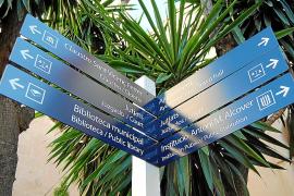 La ciudad luce nuevas señalizaciones de sus principales puntos de interés