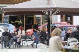 El Govern quiere ampliar la superficie de las terrazas para desahogar a los restauradores