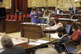Armengol retrata en el Parlament a un Govern obsesionado por la transparencia