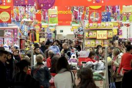 El gasto navideño de los baleares alcanzará  los 545 euros, la cantidad más baja desde 2004