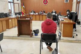 Las deficiencias de un intérprete obligan a suspender el juicio en la Audiencia a un joven británico acusado por agresión sexual