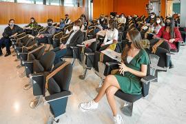 El Consell premia a 14 futuros escritores de Ibiza